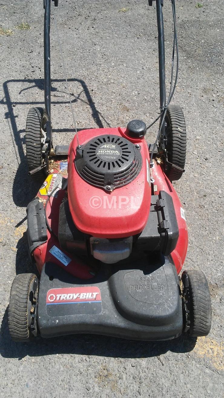 Troy Bilt Lawn Mower Model Av Q on Yard Machines Lawn Mower Spark Plug